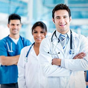 Ärzte und Mitarbeiter